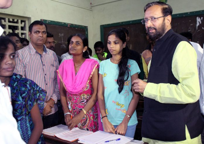 The Union Minister for Human Resource Development, Shri Prakash Javadekar interacting with the students of Goplakrishna Gokhale Night School, in Dadar, Mumbai on July 09, 2016